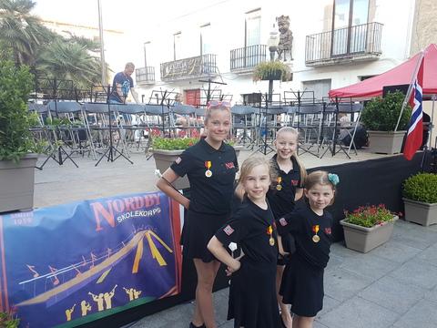 Sommertur under spansk sol: 4 flinke drillere er med på turen.