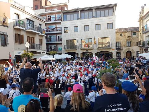 Spania del 2: Gammel Jegermarsj som fellesnummer
