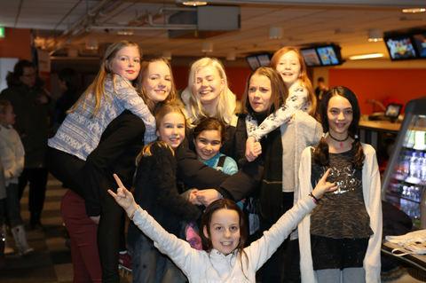 En vellykket Kjendiskonsert ble feiret med bowling og pizza
