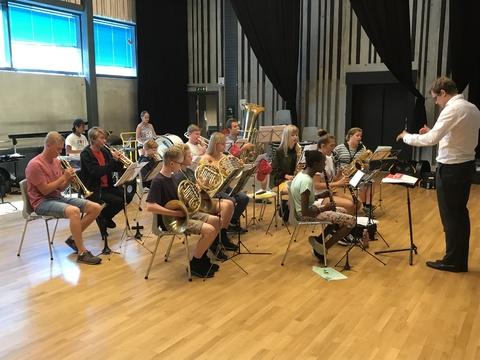 Tusen takk for en kjempefin korpstur!: HK øver før lørdagens konsert i Teaterparken