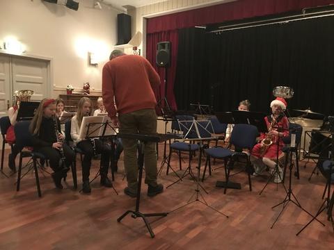Hyggelig juleavslutning på Liahøi: Juniorene imponerte de også
