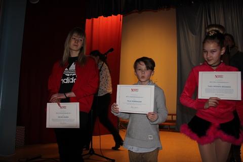 Vellykket Årsfest på Nordby skole: Tre av fire stolte