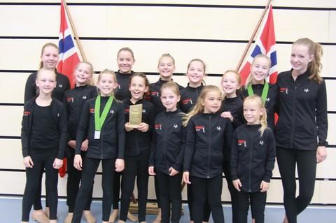 Ås avis: Gull, sølv og bronse til Nordby jenter under NM korpsdrill  (Les mer)