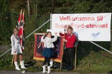 Meget vellykket første dag på TusenFryd: Lise gjør fane og flagg klare for innmarsj.