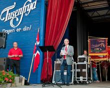 Meget vellykket første dag på TusenFryd: Ordfører Johan Alnes stod for den offisielle åpningen.