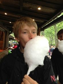 Vi inntok Gøteborg: Spillingen er unnagjort og Martin får i seg litt sukker.
